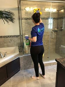 Onix Deep Cleaning Maid Service Near Copley, Boston Ma 02116 - How to clean Glass Shower doors