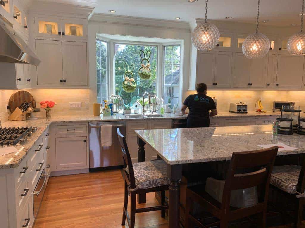 Onix Apartment Move out Cleaning near Charlestown, Boston Ma 02129 - How to Clean Granite Countertops